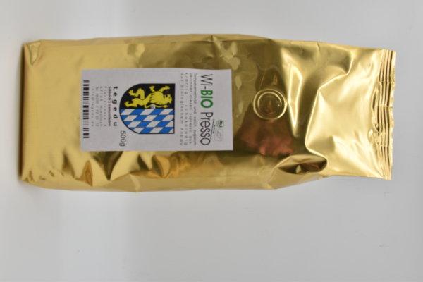 Espresso BIO - Temperamentvoll und weich zugleich zeichnet diesen Espresso aus. kräftig - schokoladig - aus biologischem Anbau. Besonders für Siebträgermaschinen und Vollautomaten geeignet.